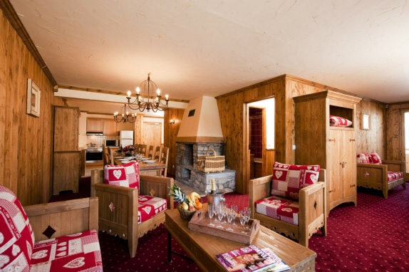 Alpine Charms - La Rosiere Ski Apartment Fuge 12/14 - 6 ensuite bedrooms and private sauna sleeping 12/14 with access to heated swimming pool, sauna and Wifi in Les Eucherts area - family self catering skiing apartment in Savoie, France, French Alps.