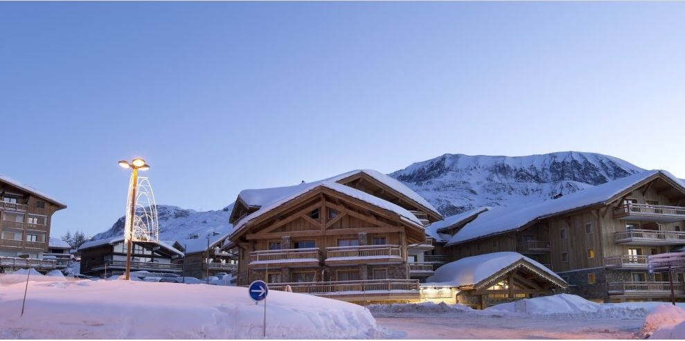 Alpe d'huez, Luxury ski apartment  Cristal,  3 bedrooms, swimming pool and spa