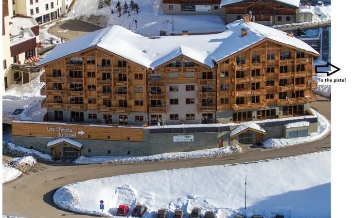 Alpine Charms - Les Menuires Style Apartment, Reberty 2000, 3 bedrooms, sleeps 6/8, Ski in / ski out in Three Valleys, France. Self Catered skiing apartment with spa facilities - access to sauna and hamman, free wifi and parking.