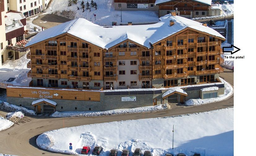 Alpine Charms - Les Menuires Style Ski Apartments sleeps 10/12 in 5 bedrooms - Self Catered Ski in/Out apartments in Three Valleys in Reberty 2000 - spa area with sauna and hamman, wifi and parking